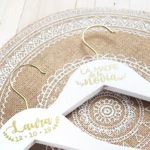 Percha personalizada para bodas